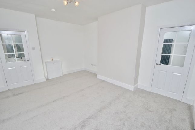 Thumbnail Mews house to rent in West Crescent, Accrington