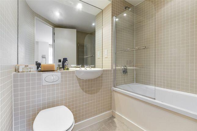 Bathroom 1 of Rose Court, 8 Islington Green N1