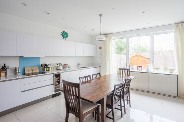 Thumbnail Town house for sale in Stothert Avenue, Bath