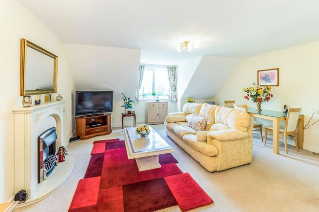 Thumbnail Flat for sale in Stratford Road, Wellesbourne, Warwick