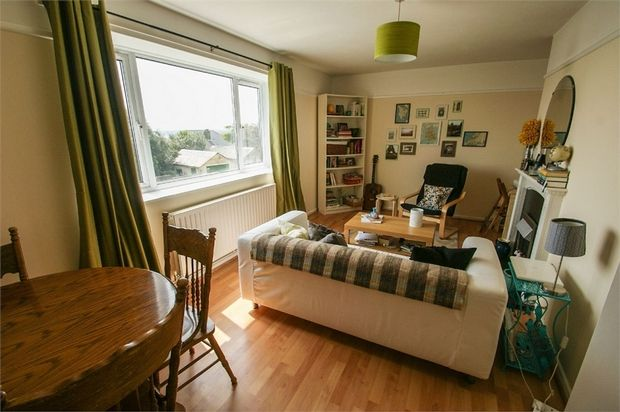 Thumbnail Flat for sale in Penlan Crescent, Uplands, Swansea
