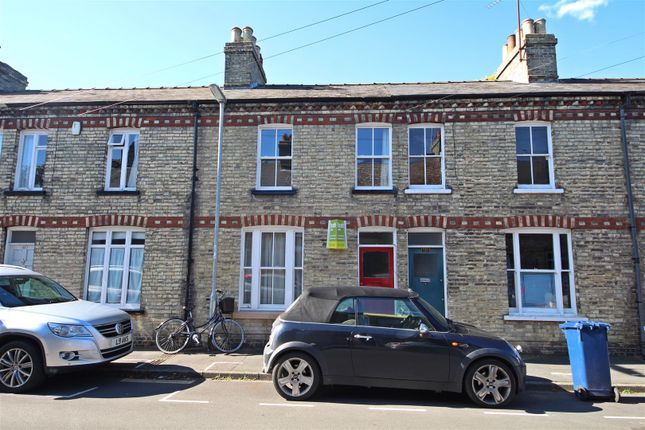 Thumbnail Terraced house for sale in Stockwell Street, Cambridge