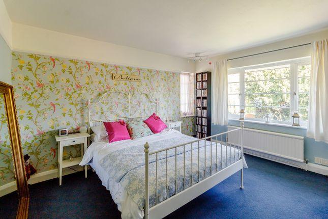 Bedroom of Derwent Avenue, Kingston Vale, London SW15