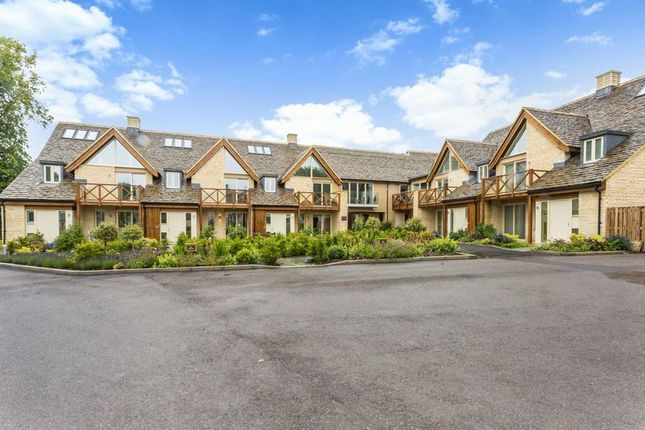 Thumbnail Flat for sale in 27 Stuart Court, Butt Street, Minchinhampton