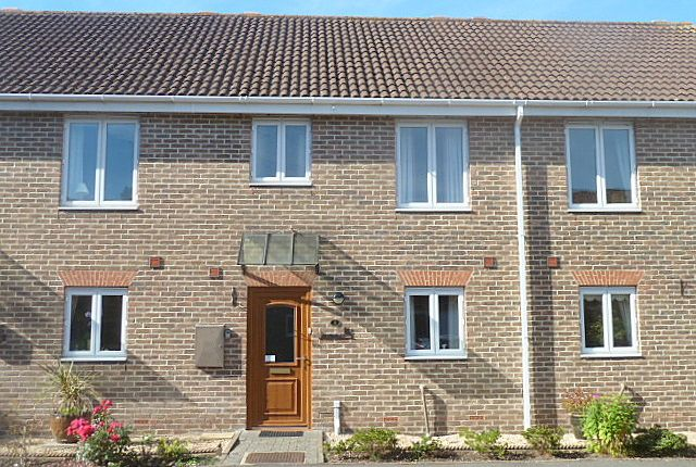 2 bed terraced house for sale in Mousehole Lane, Hythe