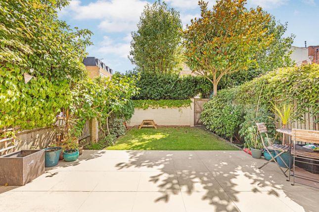 Garden of Lattimer Place, Chiswick W4