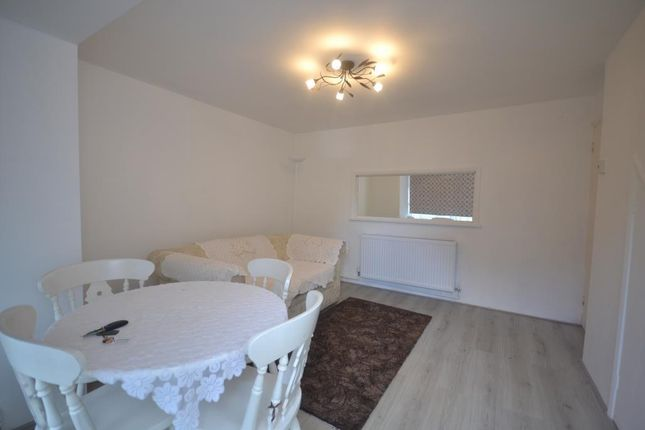 Thumbnail Flat to rent in Hillbrow, Reading
