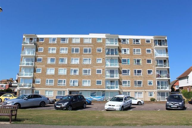 Thumbnail Flat to rent in Cavendish Court, De La Warr Parade, Bexhill-On-Sea
