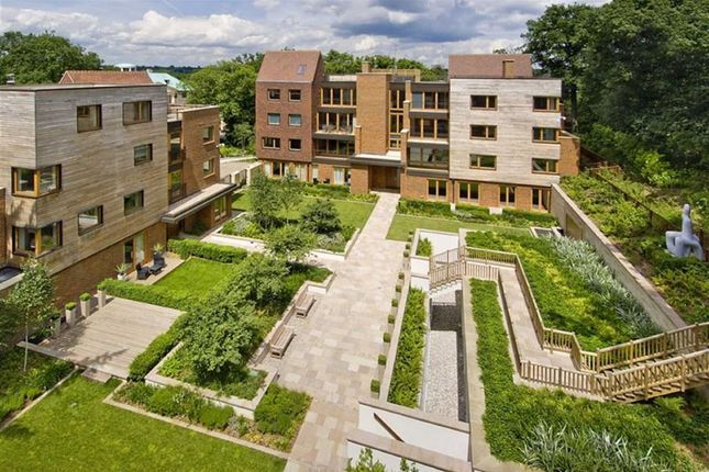 Thumbnail Flat for sale in The Bishops Avenue, Kenwood, London