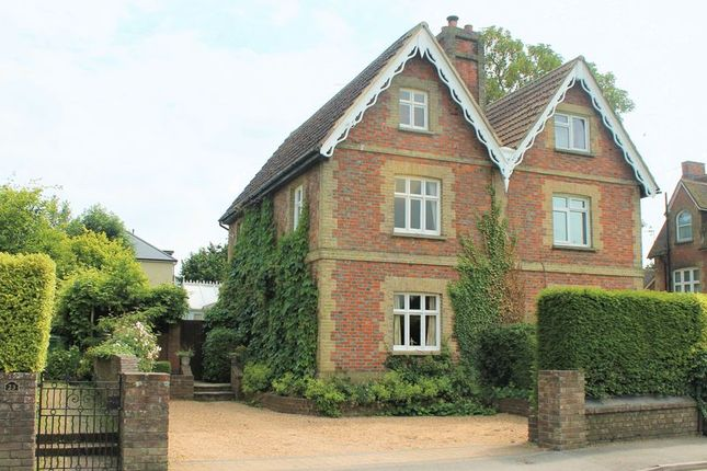 Thumbnail Property for sale in Lingfield Road, Edenbridge