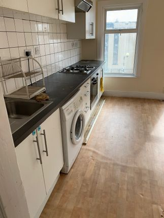 Thumbnail Flat to rent in Leagrave Road, Luton