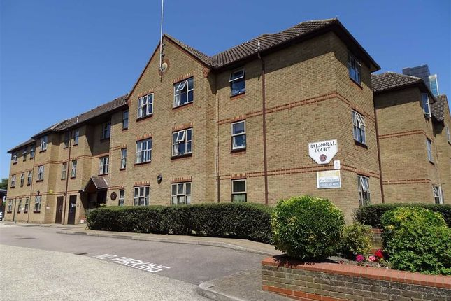 2 bed flat for sale in Balmoral Court, Chelmsford, Essex CM2