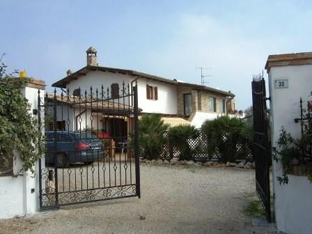 Thumbnail Property for sale in Panoramic Seafront Villa, Teramo, Italy