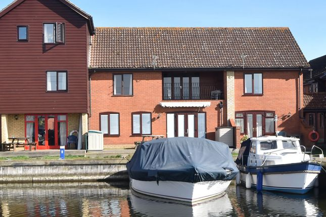 Thumbnail Flat for sale in Ferry Marina, Horning