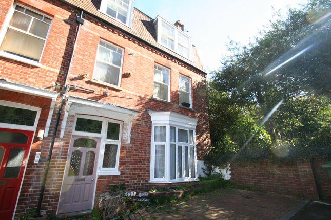 Thumbnail Flat for sale in Grove Avenue, Tunbridge Wells