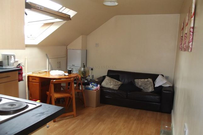 Thumbnail Flat to rent in Birchfields Road, Fallowfdield, Manchester