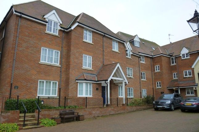 Thumbnail Flat to rent in Ford Street, Buckingham