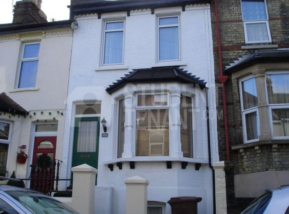 Thumbnail Shared accommodation to rent in Rochester Avenue, Rochester, Kent