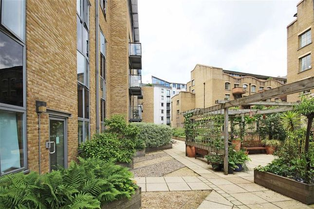 Thumbnail Flat to rent in Three Oak Lane, London