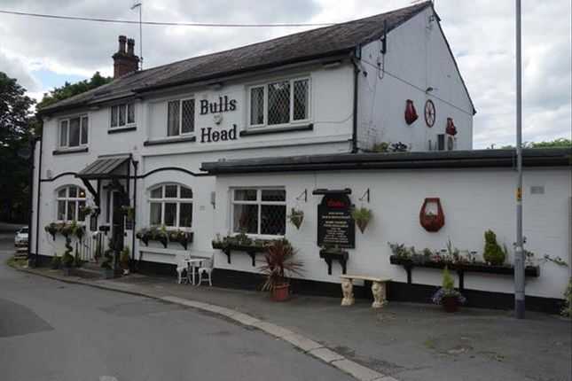 Thumbnail Pub/bar for sale in Public House & Restaurant OL16, Newhey, Greater Manchester