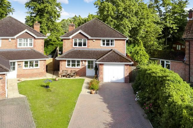 Thumbnail Detached house for sale in Gorselands, Newbury