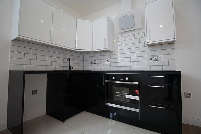 Thumbnail Flat to rent in Windmill Lane, Southall