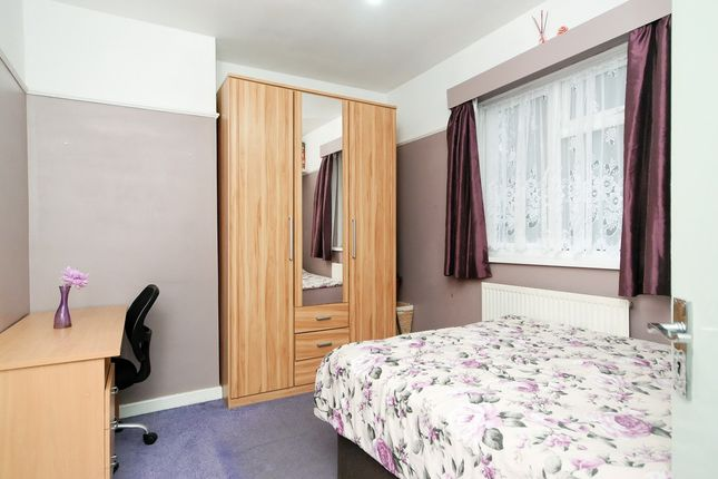 Thumbnail Terraced house to rent in Guild Road, London, Greater London