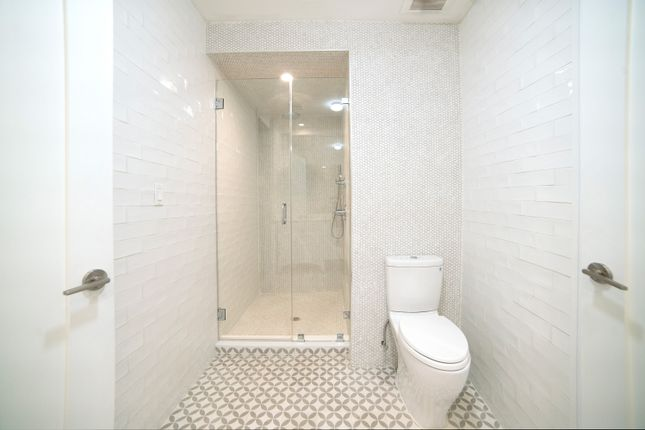 173 Concord Street - Shower Room