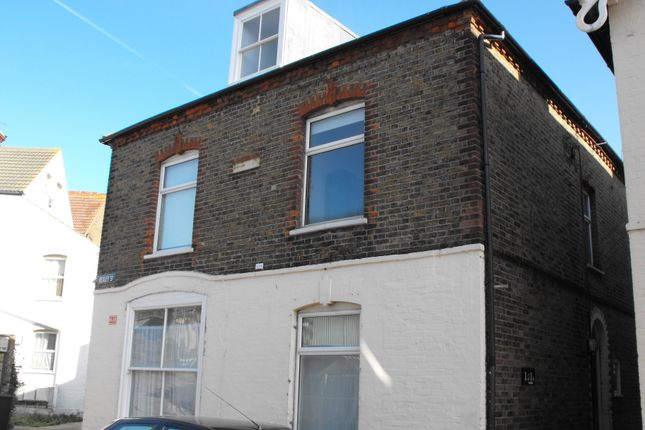Thumbnail Flat to rent in Bexley Street, Whitstable