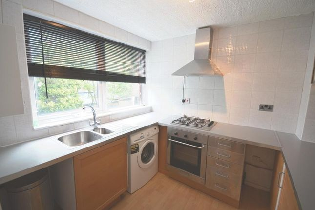 Thumbnail Maisonette to rent in Beaulieu Close, Camberwell