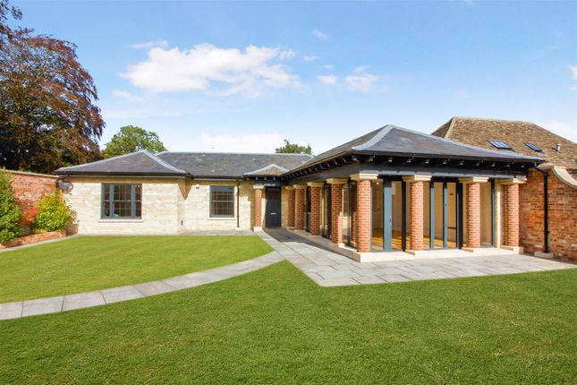 2 bed detached bungalow for sale in Arches Lane, Malmesbury SN16