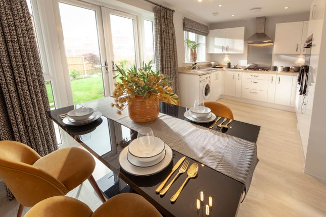 4 bedroom detached house for sale in York Road, Priorslee, Telford
