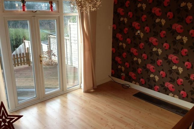 3 bed terraced house to rent in Aveling Close, Purley