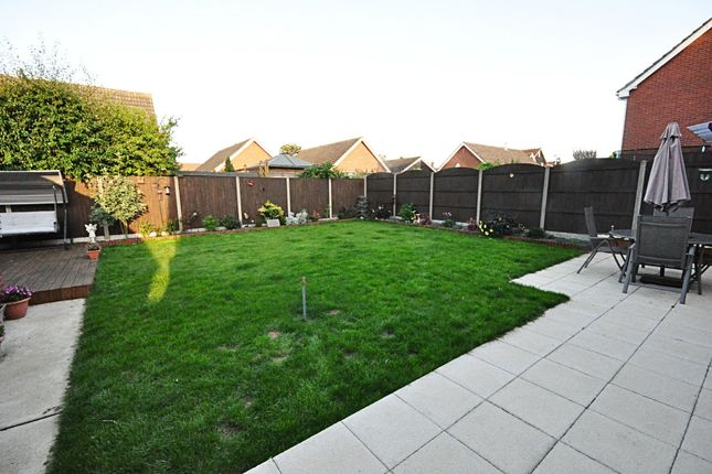 Thumbnail Link-detached house for sale in Millway Avenue, Roydon, Diss