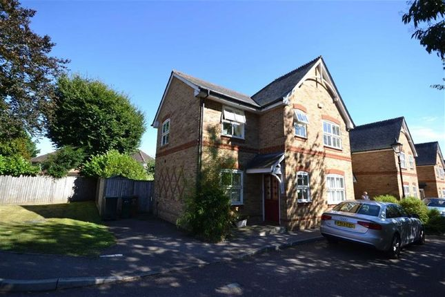 3 bed semi-detached house for sale in Cherry Croft, Dickinson Square, Croxley Green, Rickmansworth Hertfordshire