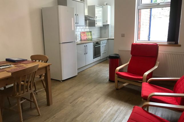 4 bed shared accommodation to rent in Warrington Road, Sheffield S10
