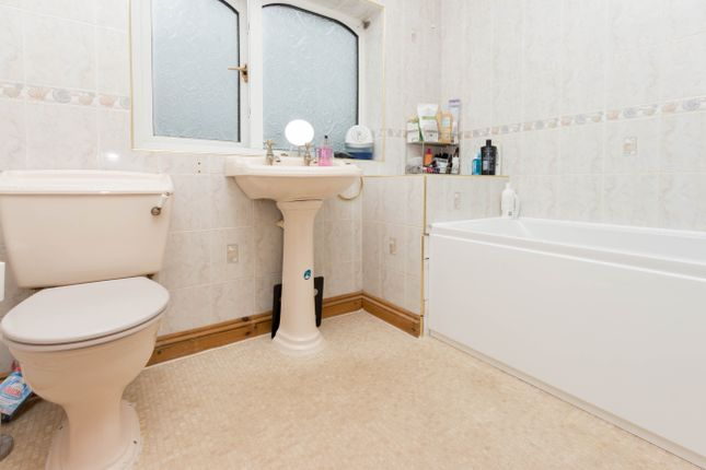 Bathroom of Windsor Road, Wellingborough NN8