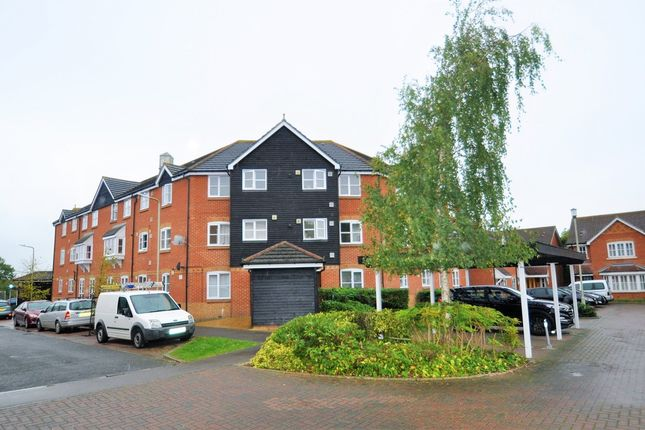 Thumbnail Flat to rent in White Willow Close, Ashford