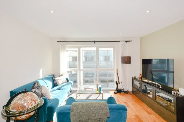 2 bed flat to rent in Clerkenwell Road, Clerkenwell, London EC1M
