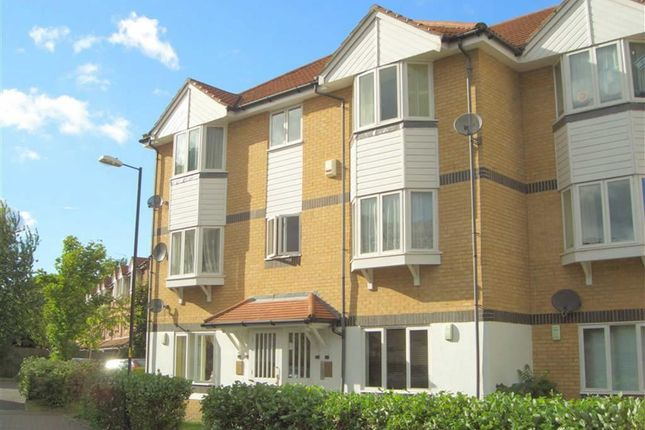 Thumbnail Flat for sale in Sheppard Drive, London