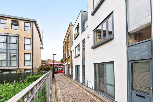 Picture No. 08 of Culford Mews, London N1