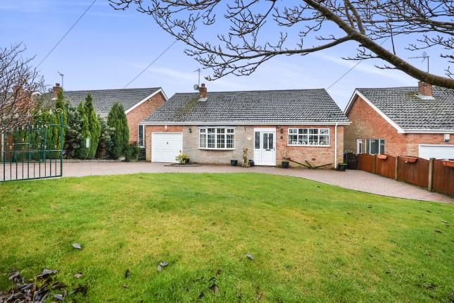 4 bed bungalow for sale in Edale Close, Mansfield, Nottinghamshire