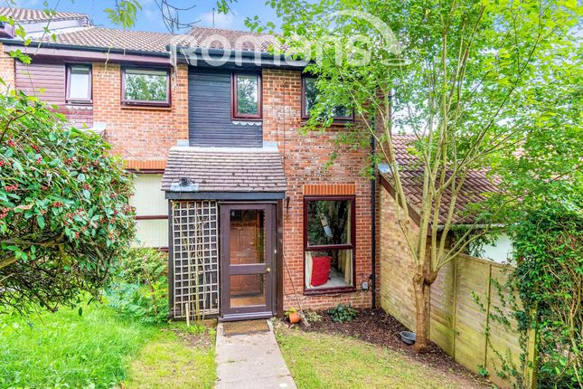 2 bed end terrace house to rent in Plough Way, Winchester SO22