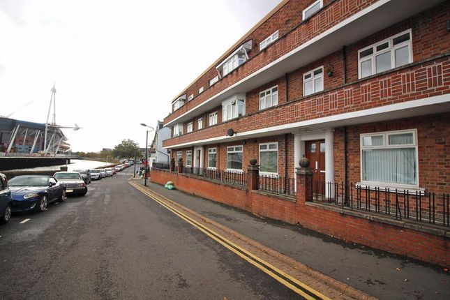 Thumbnail Flat to rent in Parkview Court, Coldstream Terrace, Cardiff