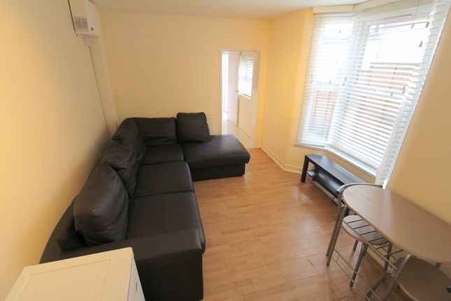 Thumbnail End terrace house to rent in Woolwich Road, Greenwich