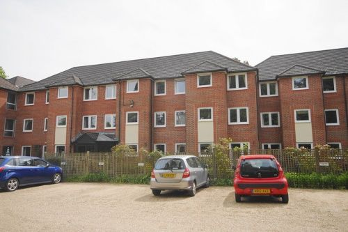 Thumbnail Flat to rent in Alexandra Court, Glenmoor Road, Ferndown