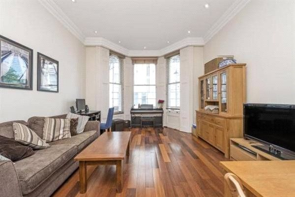 Thumbnail Flat to rent in Campden Hill Gardens, Notting Hill Gate, London