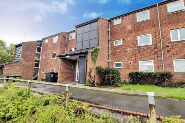 Thumbnail Flat for sale in Mainstone Close, Redditch