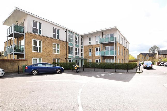 2 bed flat for sale in Nicholls Close, Caterham, Surrey CR3