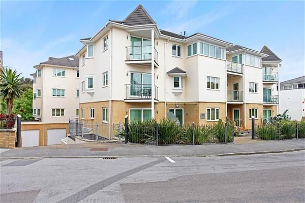 Thumbnail Flat to rent in Studland Road, Alum Chine, Poole